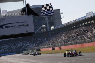Bandier a scacchi per for Mick Schumacher, PREMA Theodore Racing Dallara F317 - Mercedes-Benz
