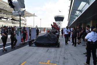 Эвакуация с трассы автомбиля VF-18 Пьетро Фиттипальди, Haas F1 Team