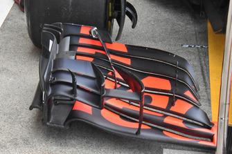 Daniel Ricciardo, Red Bull Racing RB14, dettaglio dell'ala anteriore