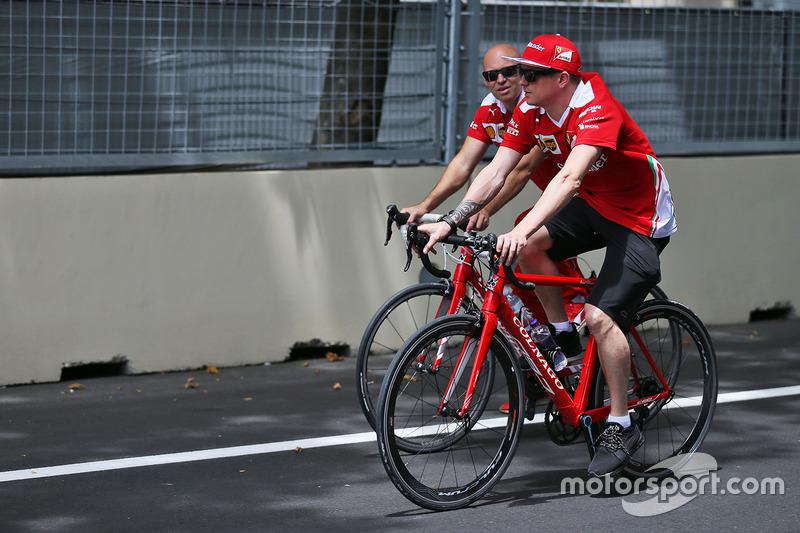 Kimi Raikkonen, Ferrari con Mark Arnall, su entrenador personal