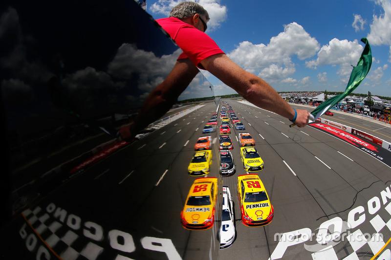 """#4: """"Doppelter"""" NASCAR-Start"""