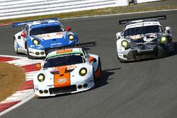 #86 Gulf Racing Porsche 911 RSR: Michael Wainwright, Adam Carroll, Ben Barker, #88 Proton Racing Por