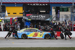 Kasey Kahne, Hendrick Motorsports Chevrolet pit stop