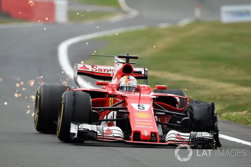 Sebastian Vettel, Ferrari SF70H avec une crevaison à l'avant