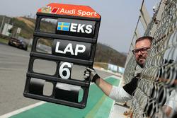 Pitboard for Mattias Ekström, Audi RS 5 DTM