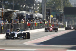 Льюис Хэмилтон, Mercedes AMG F1 W08, Себастьян Феттель, Ferrari SF70H, Серхио Перес, Sahara Force India F1 VJM10