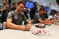 Stoffel Vandoorne, McLaren and Fernando Alonso, McLaren