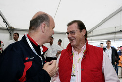 Roger Moore mit Wolfgang Ullrich