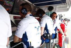 Das Williamsteam an der Boxenmauer