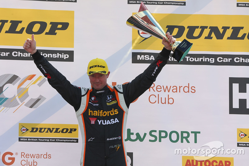 Second place Gordon Shedden, Halfords Yuasa Racing Honda Civic Type R