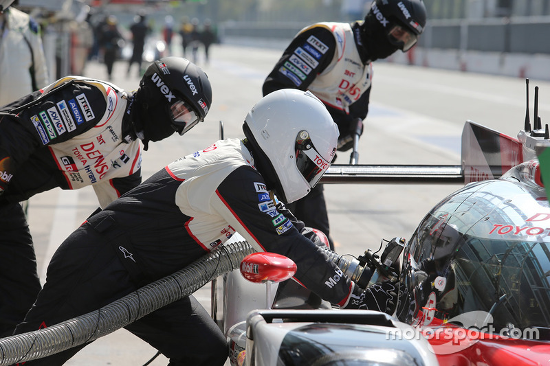 Tankstopp: Toyota Gazoo Racing