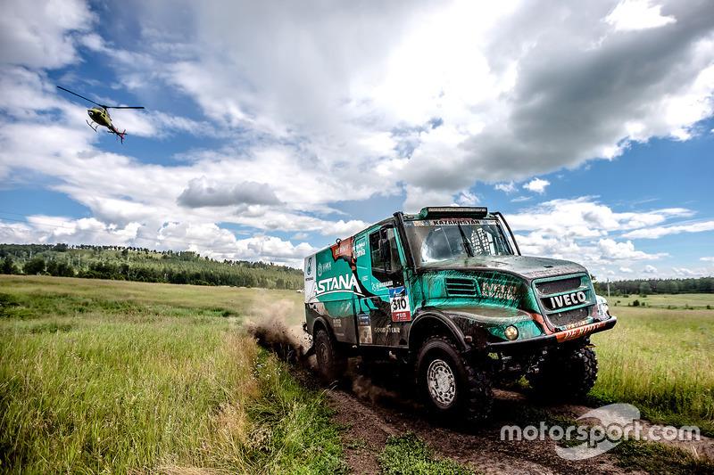 #310 Astana Motorsports Team De Rooy Iveco: Artur Ardavichus, Serge Bruynkens, Machiel Huisman