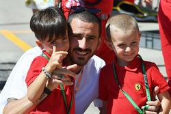 Leonardo Bonucci, Footballer with young Ferrari fans