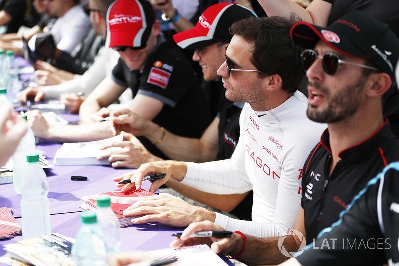 Jérôme d'Ambrosio, Dragon Racing, an Jose Maria Lopez, Dragon Racing, at the autograph session