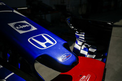 Toro Rosso STR13 nose and front win