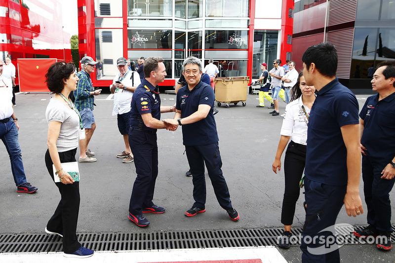 Генеральний директор Honda Motorsport Масасі Ямамото, керівник Red Bull Racing Крістіан Хорнер