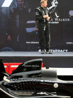Mika Hakkinen and the Caparo T1