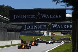 Макс Ферстаппен, Red Bull Racing RB13,Фернандо Алонсо, McLaren MCL32, Феліпе Масса, Williams FW40