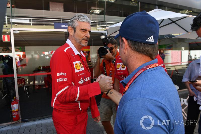 Rubens Barrichello, Maurizio Arrivabene, director de Ferrari Team