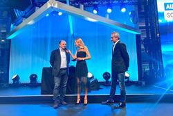 Fréderic Vasseur, Sauber F1 Teamleiter und CEO, moderatorin Christa Rigozzi und Beat Zehnder, Sauber F1 Team Technischer Direktor