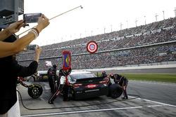Pit stop, Austin Dillon, Richard Childress Racing Chevrolet Camaro