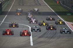 Sebastian Vettel, Ferrari SF71H, Kimi Raikkonen, Ferrari SF71H, Valtteri Bottas, Mercedes AMG F1 W09, Lewis Hamilton, Mercedes AMG F1 W09., Max Verstappen, Red Bull Racing RB14 Tag Heuer, Daniel Ricciardo, Red Bull Racing RB14 Tag Heuer, and the rest of th