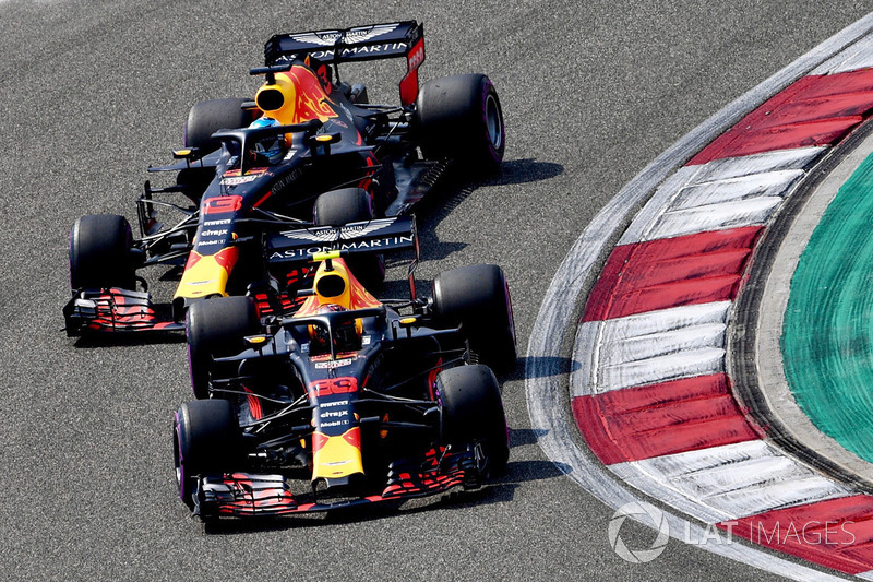 Max Verstappen, Red Bull Racing RB14 en Daniel Ricciardo, Red Bull Racing RB14