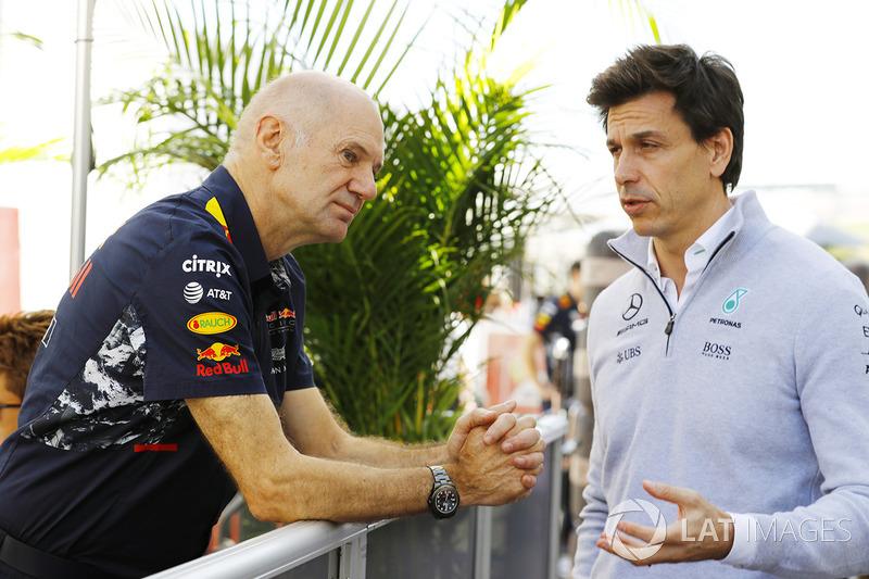Adrian Newey de Red Bull Racing, y Toto Wolff de Mercedes AMG