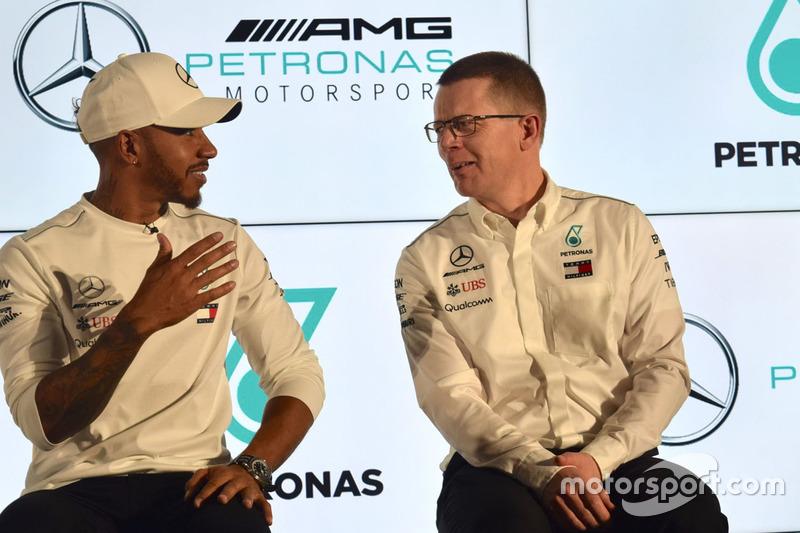 Lewis Hamilton, Mercedes-AMG F1, Andy Cowell, Director general de Mercedes AMG High Performance Powertrains
