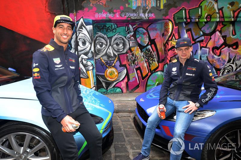 Гран Прі Австралії: Даніель Ріккардо, Макс Ферстаппен, Red Bull Racing на фоні графіті