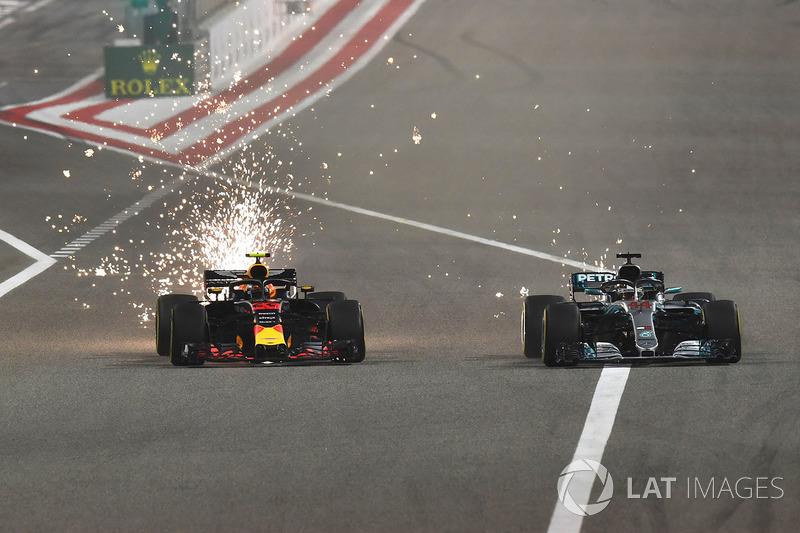 Max Verstappen, Red Bull Racing RB14 y Lewis Hamilton, Mercedes-AMG F1 W09 EQ Power+
