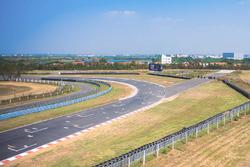 Pista per gare di accelerazione sul rettilineo di partenza-arrivo