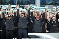 Lewis Hamilton, Mercedes AMG F1, Niki Lauda, Fahri Direktör, Mercedes AMG F1, Toto Wolff, Direktör Mercedes AMG F1