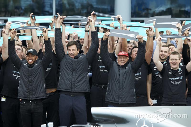 Lewis Hamilton, Mercedes AMG F1, Toto Wolff, directeur Mercedes AMG F1, Niki Lauda, voorzitter Merce