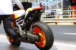 De beschadigde Honda van Marquez