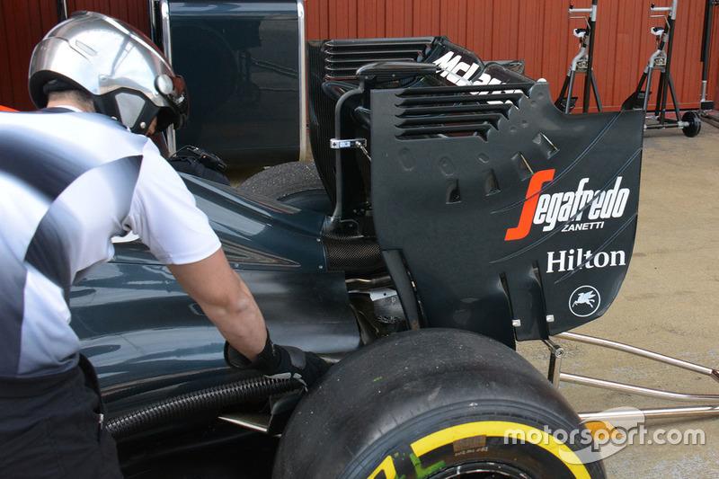 McLaren MP4-31, Heckflügel