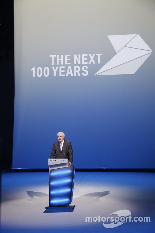 Viering honderdjarig bestaan in Olympic Hall. Dr.-Ing. Dr.-Ing. E.h. Norbert Reithofer, Chairman of