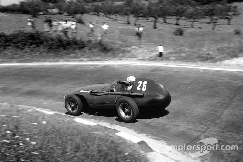 One of the greatest drives in a great career. Moss's Vanwall won the 1957 Pescara GP by over three minutes!