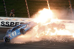 Aric Almirola, Richard Petty Motorsports Ford, Danica Patrick, Stewart-Haas Racing Ford, Joey Logano