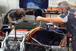 Scuderia Toro Rosso STR11 Даниила Квята