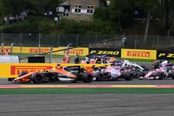 Fernando Alonso, McLaren MCL32 al inicio