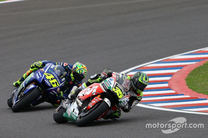 Cal Crutchlow, Team LCR Honda; Valentino Rossi, Yamaha Factory Racing