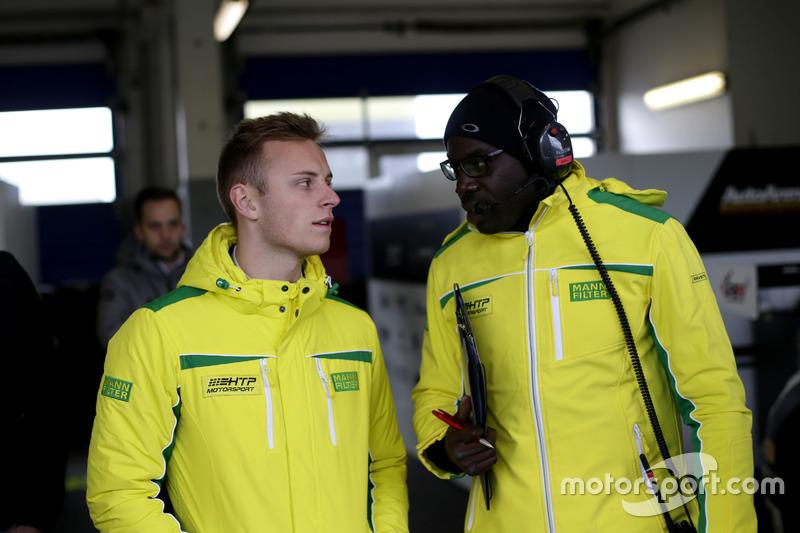 Marvin Kirchhöfer, Mercedes-AMG Team HTP Motorsport mit seinem Ingenieur