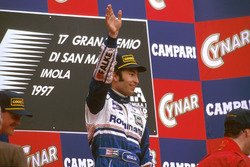 Podium: Race winner Heinz-Harald Frentzen, Williams FW19 Renault