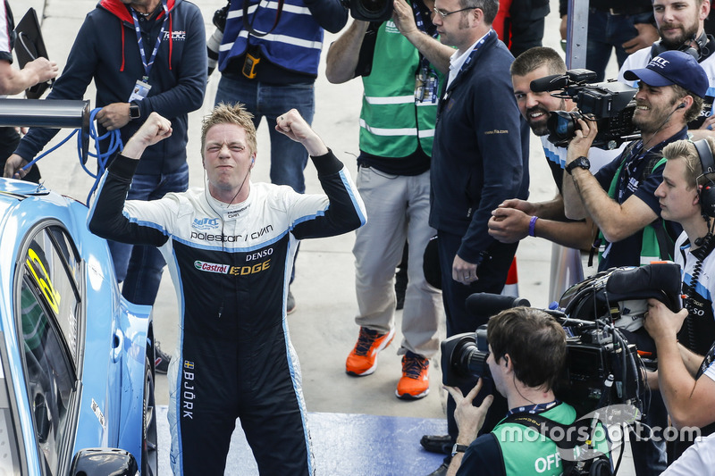 Rave winner Thed Björk, Polestar Cyan Racing, Volvo S60 Polestar TC1