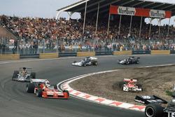 Niki Lauda, BRM P160E hors piste, Chris Amon, Tecno PA123B, Emerson Fittipaldi, Lotus 72E Ford, Mike Hailwood, Surtees TS14A Ford, et David Purley, March 731 Ford
