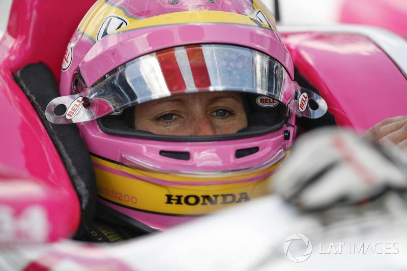 "Dale Coyne Racing:<img src=""https://cdn-7.motorsport.com/static/img/cfp/0/0/0/200/227/s3/united_kingdom-2.jpg"" alt="""" width=""20"" height=""12"" />Пиппа Манн (№63, выступит на Indy 500)"