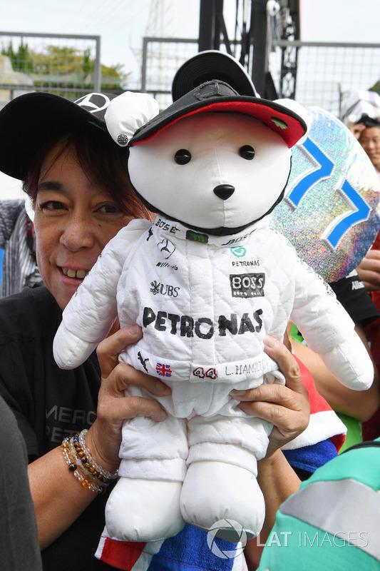 Fan and Mercedes AMG F1 bear