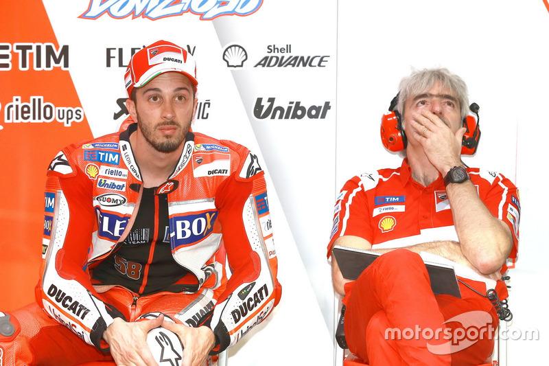 Андреа Довициозо и генеральный менеджер Ducati Луиджи Далл'инья