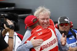 1. Sébastien Bourdais, Dale Coyne Racing, Honda, mit Dale Coyne